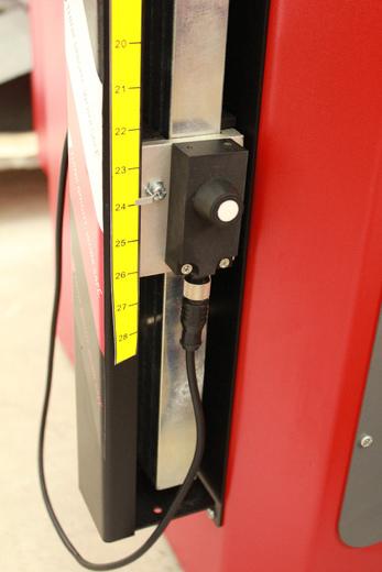 Vyvažovačka CB78P Automat 3D s dotykovým displejem a diagnostikou - 4